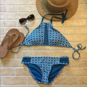 New Mossimo Teal Crochet Hi-Neck Bikini Medium